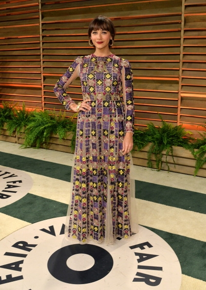 Rashida-Jones-Wearing-Valentino-2014-Vanity-Fair-Oscar-Party